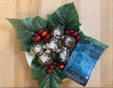 spirulina energy balls on plate